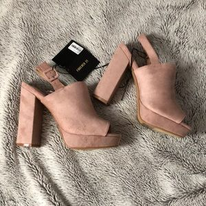 NWT Forever21 Pink Suede Heels!